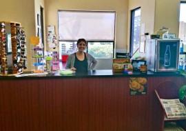friendly-staff-local-car-wash-coachella-executive